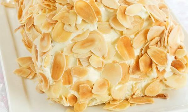 Kορμός με γλυκό του κουταλιού και αμύγδαλα από την Αρτεμησία και το chefoulis.gr!!