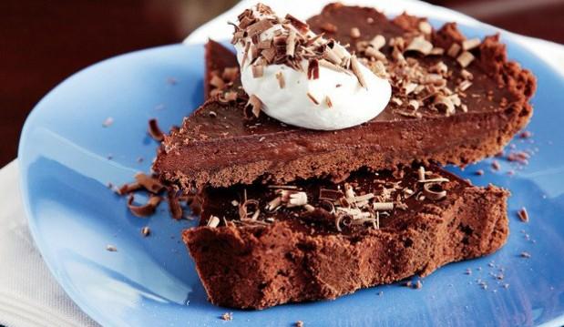 Σοκολατένια τάρτα µε κρέµα σοκολάτας και κρέμα γάλακτος ΝΟΥΝΟΥ από την Αργυρώ!