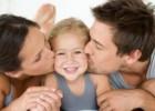 «10 φράσεις που πρέπει να λέτε στο παιδί σας!» από τον Σωκράτη Καραμπατέα Συμβουλευτικό Ψυχολόγο, MSc., και Μιχάλη Σκευοφύλακα Εκπαιδευτικό, και το Iatropedia.gr!