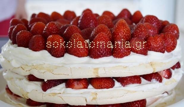 Τούρτα με μαρένγκες και φράουλες από την Σοκολατομανία !