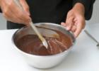 Εύκολο στρώσιμο σοκολάτας: μια χρήσιμη συμβουλή  από τον  Στέλιο Παρλιάρο!