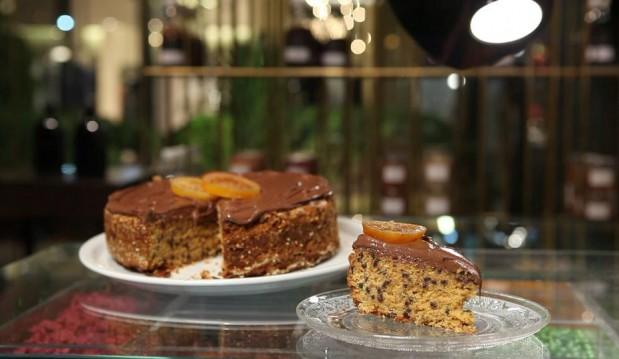 Κέικ με ταχίνι πορτοκάλι και σοκολάτα  από τον Στέλιο Παρλιάρο και τις «Γλυκιές Αλχημείες» !