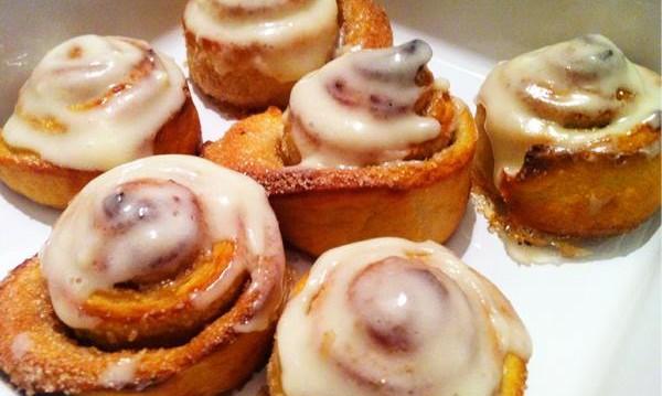 Ρολά κανέλας (cinnamon rolls) από τον Ζαφείρη Κλωνάρη και το    «Zucker my Art»  !