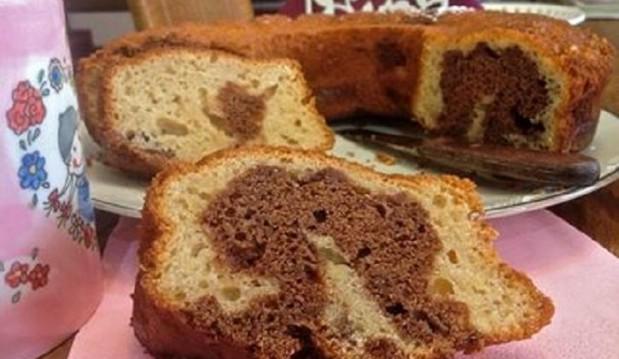 Κέικ δίχρωμο με τριμμένο μήλο και σοκολάτα από την αγαπημένη μας Μπέττυ και το «Taste of Life by Betty » !