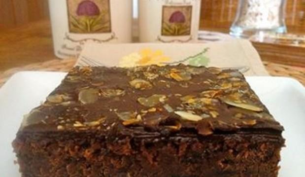 Σοκολατογλυκό με σιρόπι και γλάσο από την  καταπληκτική Μπέττυ  μας και το  «Taste of life by Betty» !