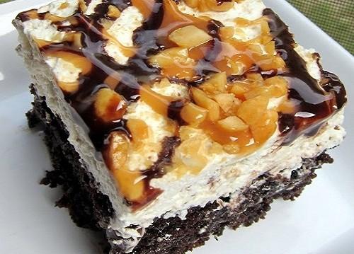 Κέικ σοκολάτας με Dulce de leche, και κρέμα snickers από τον Παναγιώτη Θεοδωρίτση και τις «Συνταγές Πάνος» !