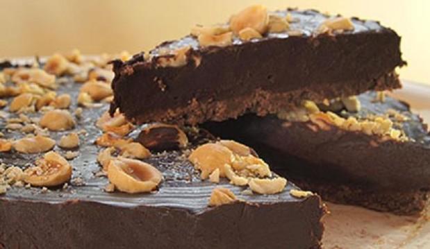 Τάρτα σοκολάτα με πραλίνα φουντουκιού από την Luise και το Radicio !