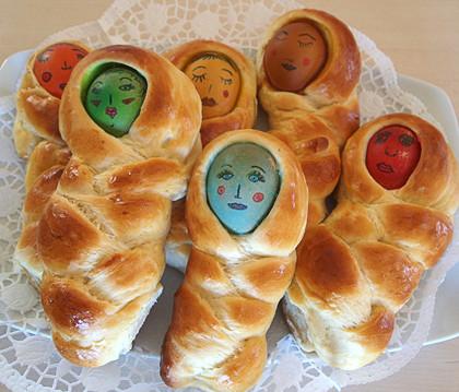Πασχαλινά τσουρεκάκια – κούκλες από Την Luise και το Radicio!