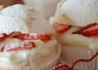 Φωλιές μαρέγκας με κρέμα και φράουλες από την Μαριλού Μαντά και το «Thinkdrops»   !