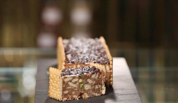 Γλυκό σαλάμι με σοκολάτα γάλακτος από τον Στέλιο Παρλιάρο και τις «Γλυκές Αλχημείες!!