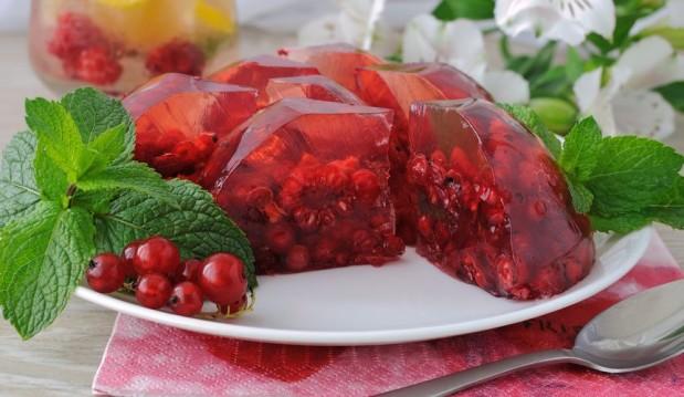 Ζελέ με πράσινο τσάι και φρούτα  από τον Άκη Πετρετζίκη και το akispetretzikis.com!