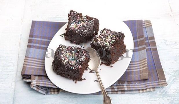 Τρουφάτη σοκολατόπιτα με στρώμα σοκολάτα , από την Αργυρώ και το argiro.gr!