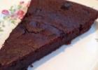 Εύκολο υγρό κέικ σοκολάτας  ΧΩΡΙΣ ΑΛΕΥΡΙ, από τον Giorgio  και το gourmed.gr!
