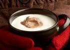 Ρόφημα λευκής σοκολάτας με σοκολατένια σαντιγύ, από το cookbox!
