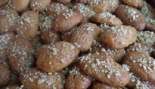 Υπέροχα Μελομακάρονα από την Αρετή Βαρδάκα και το Bonappetit!
