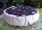 Cheesecake με βάση μελομακάρονο και επικάλυψη σοκολάτας, από την Ιωάννα Σταμούλου και το Sweetly!