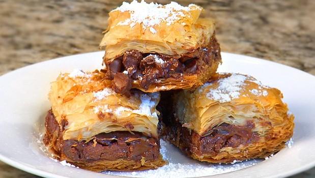 Σοκολατόπιτα πανεύκολη με 3 μόνο υλικά, από το sintayes.gr!