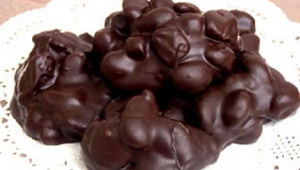 """Σοκολατάκια αμυγδάλου """"Double chocolate"""" με 3 υλικά, από το sintayes.gr!"""