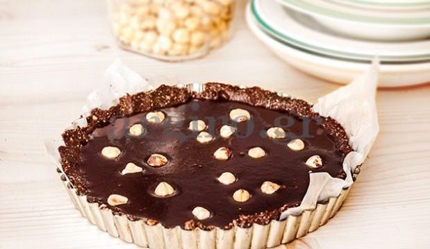 Τάρτα full σοκολάτας νηστίσιμη, χωρίς ζάχαρη και αβγά και χωρίς ψήσιμο, από την Αργυρώ  μας!