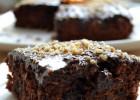 Κέικ σοκολάτας νηστίσιμο με πορτοκάλι και καρύδια, από την Ιωάννα Σταμούλου και το Sweetly!