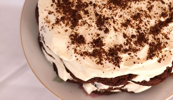 Πανεύκολο γλύκισμα ψυγείου με 2 υλικά σε 5 λεπτά, από το sintayes.gr!