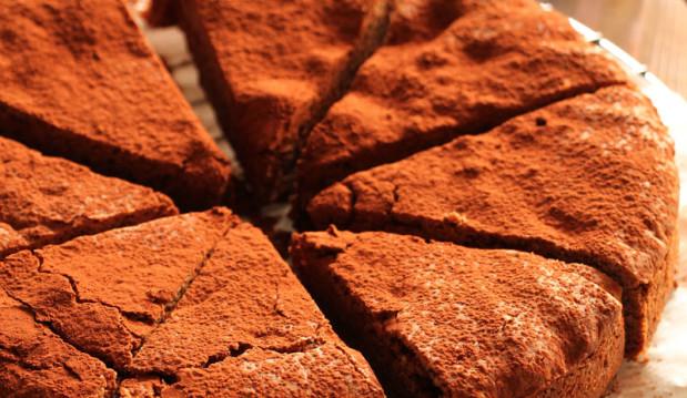 Κέικ με ταχίνι (νηστίσιμο), από την Ερμιόνη Τυλιπάκη και το «The one with all the tastes»!