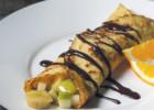 Κρέπες με φρούτα και σάλτσα σοκολάτας, από τον Ηλία Μαμαλάκη και το Olivemagazine.gr!