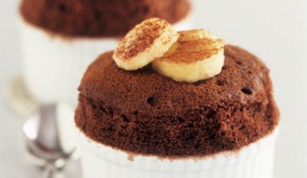 Σουφλέ σοκολάτας με λικέρ μπανάνας, από το icookgreek.com!