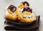 Προφιτερόλ με πραλίνα και παγωτό βανίλια, από την Nestle και τις glikessintages.gr!