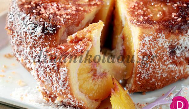 Κέικ αμυγδάλου με νεκταρίνια, από την Ντίνα Νικολάου!