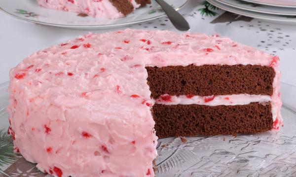 Κέικ σιροπιαστό με μους φράουλας, από την Εύα και το Chefoulis.gr!