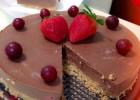 Πανεύκολη σοκολατένια τουρτίτσα χωρίς ψήσιμο, από το sintayes.gr!