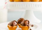 Mini muffins με σοκολατένια επικάλυψη, από την Αλλατίνη-Χειρονομία Αγάπης!