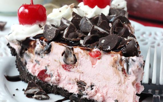 Τούρτα παγωτό με κεράσια και σοκολάτα, από την Αλλατίνη-Χειρονομία Αγάπης!