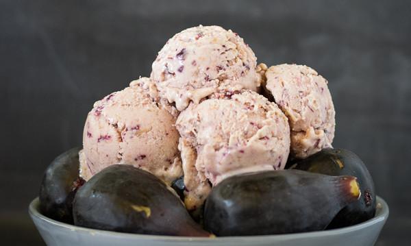 Frozen Yogurt με σύκα , από τον 'Αρη και το  Γλυκοπλαστείο Νεανικόν!