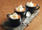 Ζεστή σοκολάτα με μπισκότα και σαντιγύ, από την Nestle!