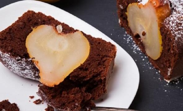 Κέικ σοκολάτα με κανέλα και αχλάδι, από τον Giorgio και το  gourmed.gr!