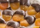 Βερίκοκα βουτηγμένα στην σοκολάτα, από την Μυρσίνη Λαμπράκη και το mirsini.gr!