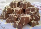 Εύκολο fudge με κουβερτούρα  πραλίνα Nestlé και αμύγδαλα, από την Ρένα Κώστογλου και το koykoycook!
