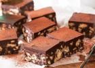 Δροσερό σοκολατένιο γλυκό με cookies & ζαχαρούχο γάλα, χωρίς ψήσιμο, από το sintayes.gr!