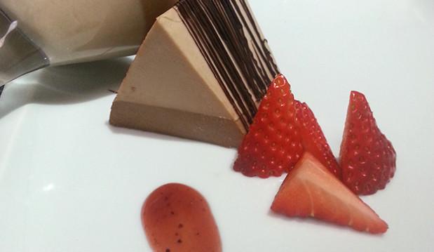 Πανακότα με 2 είδη σοκολάτας, από τον Μιχάλη Σαράβα και το ionsweets.gr!