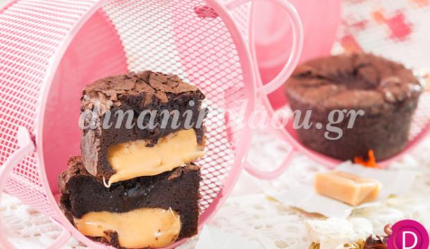 Σουφλέ σοκολάτα με γέμιση καραμέλες γάλακτος, από την Ντίνα Νικολάου!