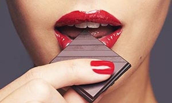 «Σοκολάτα, το φάρμακο που απαλύνει γλυκά τον βήχα», από την  Σάννα Νάνου και το flowmagazine.gr!