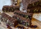 Σοκολατένιες μπάρες βρώμης χωρίς ψήσιμο-No Bake Chocolate and Nuts Oatmeal Bars, by Akis and akispetretzikis.com!