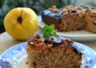 Κέικ ανάποδο με κυδώνια και καρύδια, από την Ιωάννα Σταμούλου και το Sweetly!