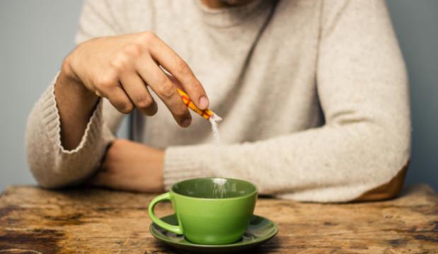 «Υποκατάστατα ζάχαρης: Γιατί η στέβια είναι καλύτερη από τη φρουκτόζη», από τον Μιχάλη Θερμόπουλο και το  iatropedia.gr