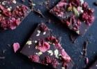 Τραγανές καραμέλες με ταχίνι και σοκολάτα, από το nestlenoiazomai.gr!