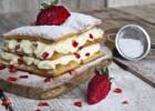 Μιλφέιγ με λευκή σοκολάτα και φράουλες, από τον Άκη Πετρετζίκη και το glikessintages.gr της NESTLE!