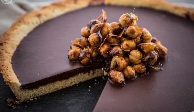 Νηστίσιμη τάρτα σοκολάτας με ταχίνι, από την Μαριλού Παντάκη και το madameginger.com!