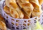 Κουλουράκια πασχαλινά με μέλι, βανίλια και μαστίχα, από την Ντίνα Νικολάου και το olivemagazine.gr!